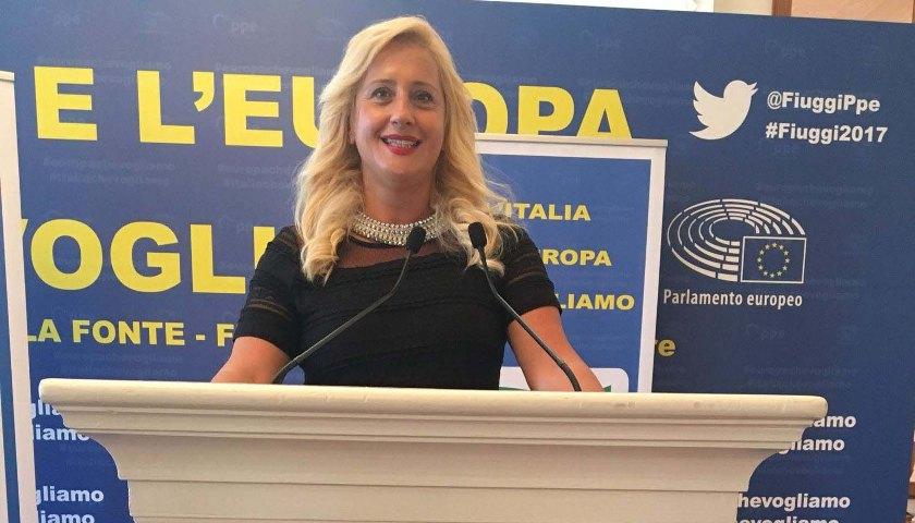 la sindaca di Alba Adriatica