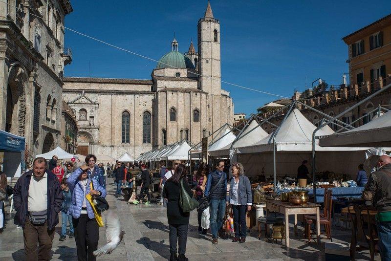mercatino antiquario antiquariato piazza popolo