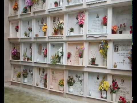 Non riesce a superare la morte della moglie, 60enne si uccide sopra la tomba della consorte
