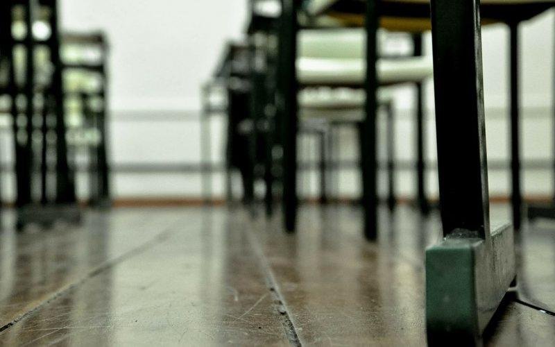 """Scuola, Latini: """"Studenti, famiglie e docenti presi in giro sul distanziamento sociale in aula"""""""